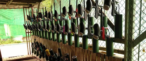 paintball guns at combat zone seacon